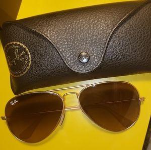 RayBan Aviator Gradient Sunglasses with case